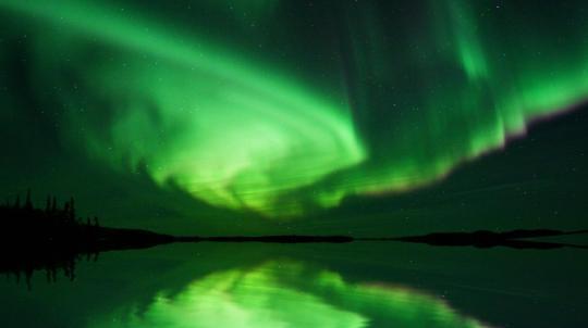 beautiful-aurora-boreal-animated-wallpaper_1_10973.jpg