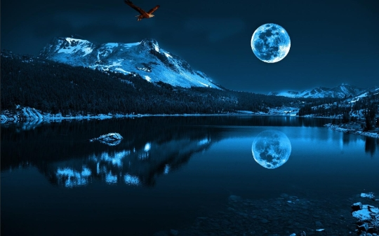 Blue Moon Screensaver