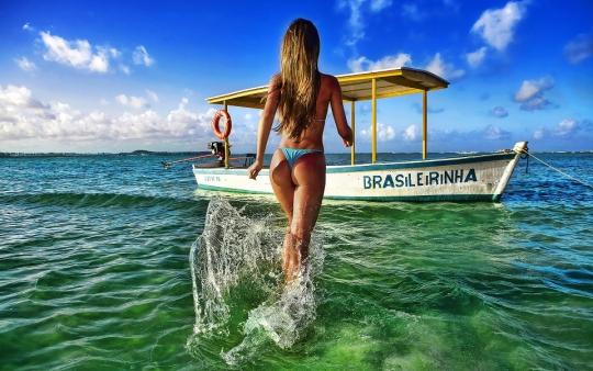 Brazilian Models Animated Wallpaper