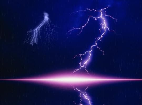 Lightning Bolt Screensaver