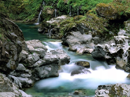 Water Nature Relax Screensaver